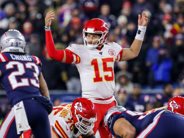 NFL roundup: Chiefs down Patriots to make playoffs