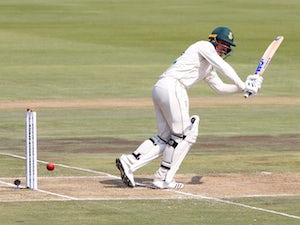 De Kock leads South Africa fightback after lunch in Centurion