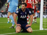 Jan Vertonghen on his knees for Spurs on January 1, 2019