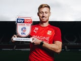 Eoin Doyle poses with his Player of the Month award for December 2019