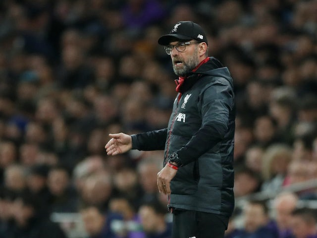 Jurgen Klopp gives instructions during the Premier League game between Tottenham Hotspur and Liverpool on January 11, 202