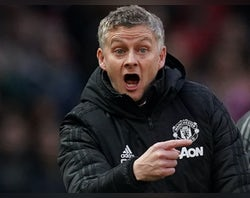 Man United 'need summer clear-out to balance books'