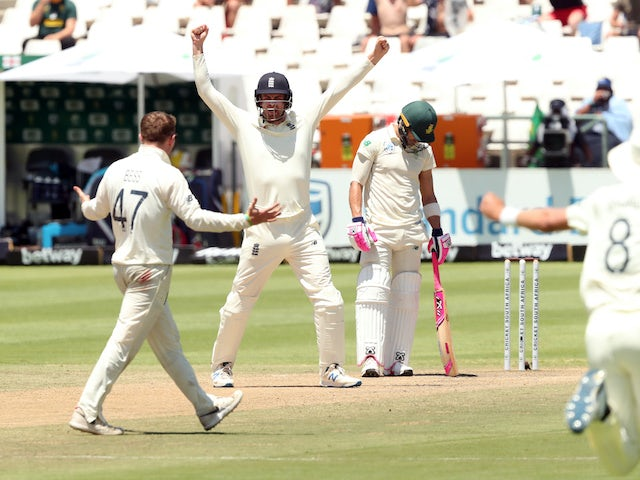 Du Plessis dismissed before lunch as England inch to victory
