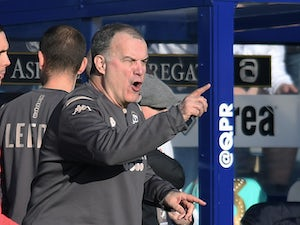 "Bielsa denies ""lack of confidence"" at Leeds"