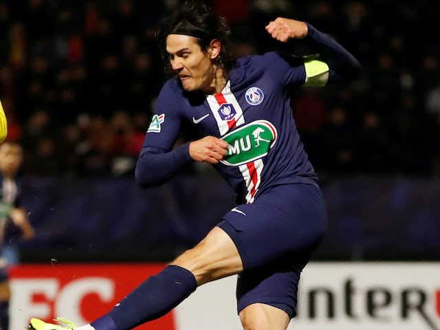 Newcastle 'preparing lucrative contract for Cavani'
