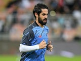 Isco warms up for Real Madrid on January 12, 2020