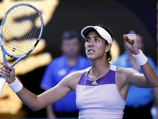 Result: Garbine Muguruza beats Simona Halep to set up Sofia Kenin final