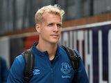 Jonas Lossl in Everton gear on August 10, 2019