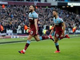 Robert Snodgrass celebrates scoring for West Ham United on February 1, 2020