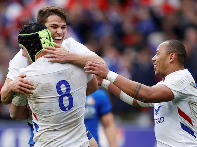 Result: France secure bonus-point victory against Italy