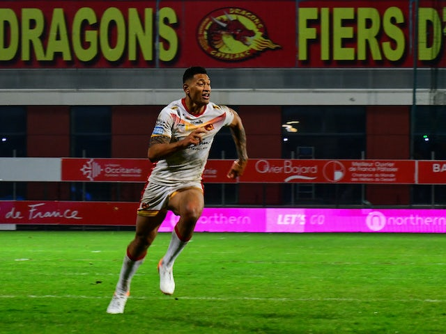 Israel Folau pens new deal with Catalans Dragons