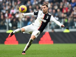 Manchester United 'make Aaron Ramsey approach'