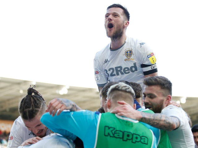 Leeds United's players celebrate Tyler Roberts' goal against Hull City on February 29, 2020