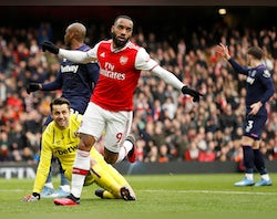 "Sagna talks up importance of ""vital"" Lacazette"