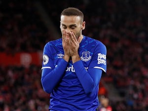 Cenk Tosun keen to stay at Everton