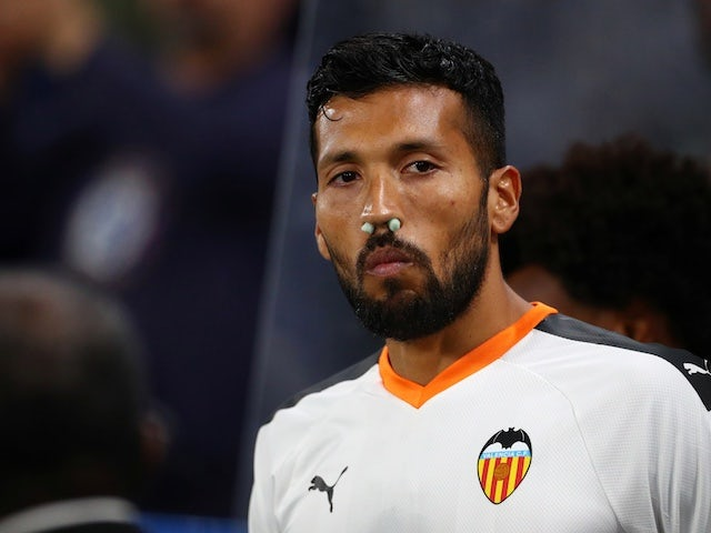 Barcelona 'could beat Liverpool to Ezequiel Garay'