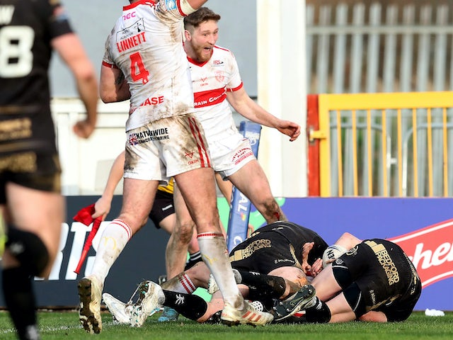 Result: Nick Rawsthorne scores late try to spare Hull KR blushes against Leigh