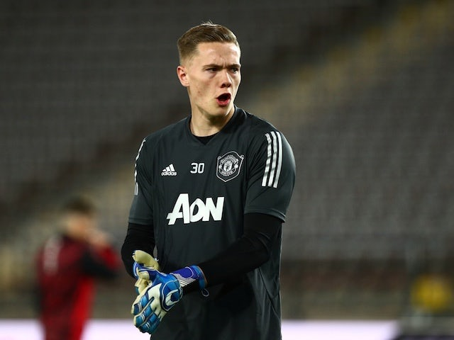 Nathan Bishop pens new Manchester United deal