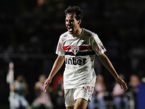 Real Madrid, Barcelona to battle for Igor Gomes?