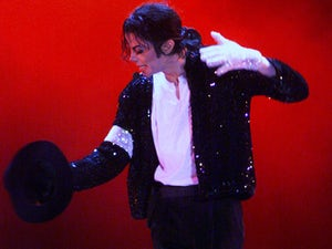 """Michael Jackson urges fans to """"stay safe"""""""