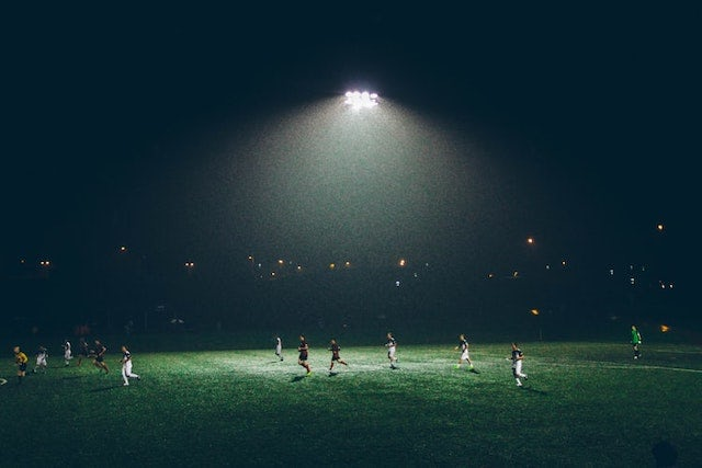 play sport at night