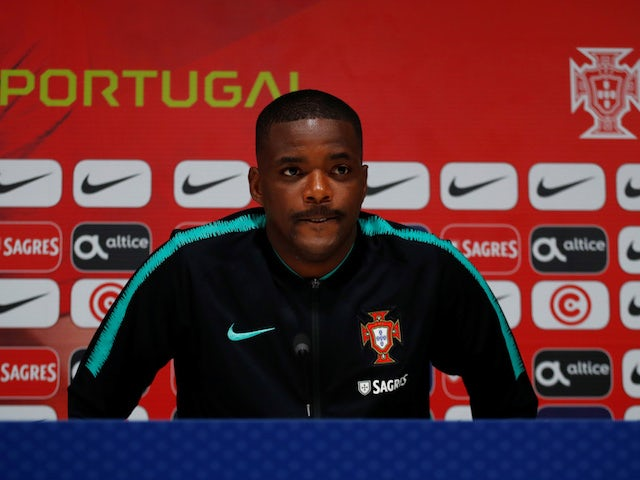 Leicester 'hold talks with William Carvalho'