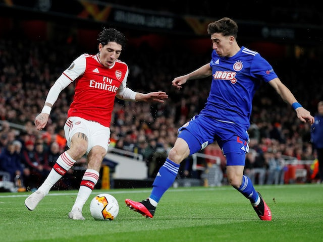 Hector Bellerin 'stalling on new Arsenal contract'