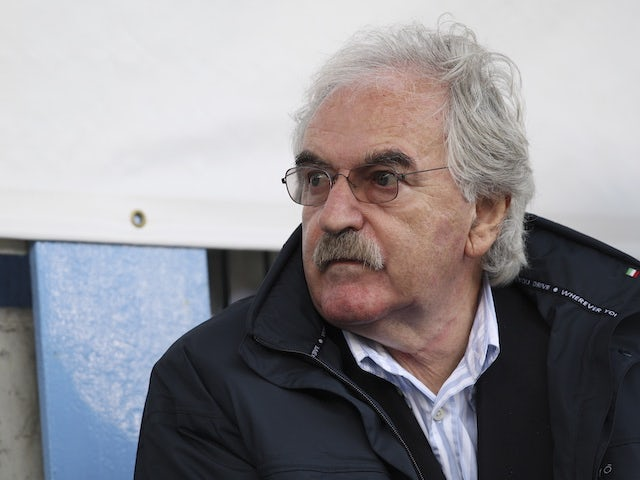 Des Lynam 'distraught' over Alzheimer's rumours