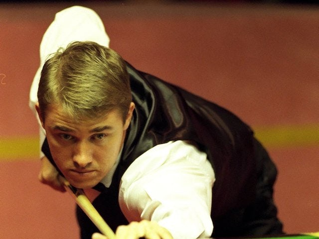 Seven-time world champion Stephen Hendry comes out of retirement
