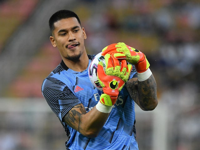 West Ham 'complete Alphonse Areola deal'