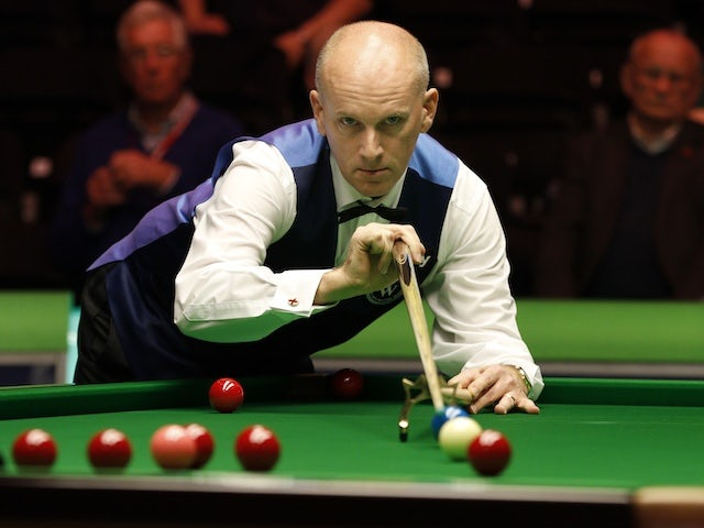 Former world champion Peter Ebdon retires from snooker due to injury