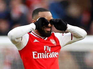Transfer latest: Juventus 'start talks for Alexandre Lacazette'