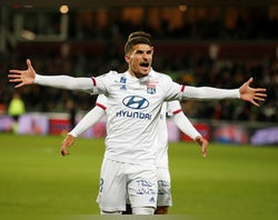 Juventus to rival Man City for Aouar?