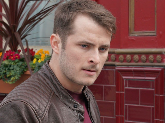 Max Bowden learning sign language amid Ben's hearing storyline