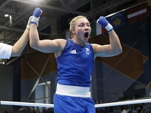 Tokyo 2020: Lauren Price advances in middleweight division