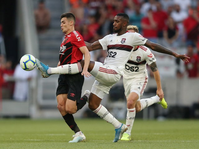 Athletico Paranaense's Leo Cittadini in action with Flamengo's Gerson in October 2019