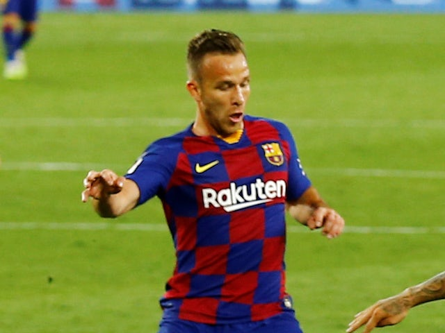 Barcelona 'agree Arthur, Pjanic swap deal with Juventus'