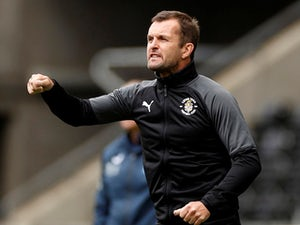 "Nathan Jones ""so proud"" of Luton's performance against Manchester United"