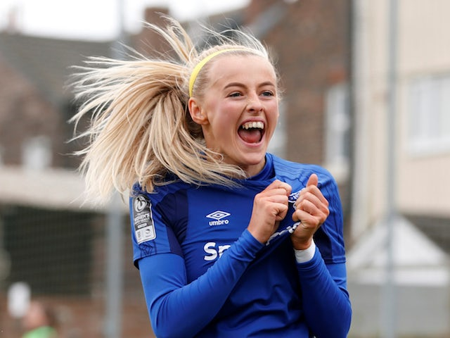 England striker Chloe Kelly joins Manchester City on two-year deal