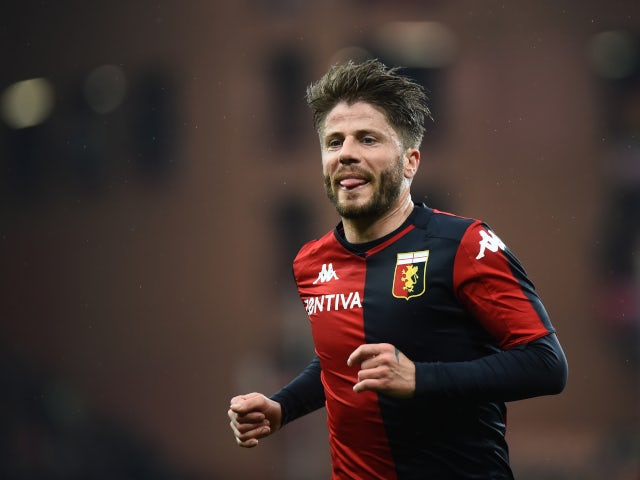 Lasse Schone in action for Genoa in February 2020.
