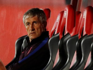 Barcelona chief rules out sacking Setien