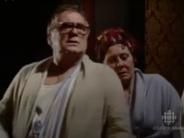 Classic Coronation Street episode 3,981 - Jack and Vera are stunned by Roy