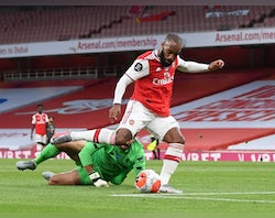 Arsenal 'willing to use Lacazette in swap deal with Juve'