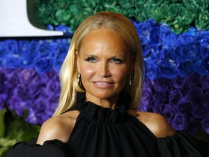 Kristin Chenoweth breaks down in tears during Naya Rivera tribute