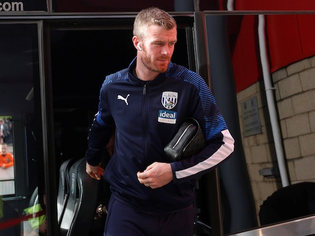 Bristol City snap up former West Brom midfielder Chris Brunt