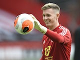 Dean Henderson warms up for Sheffield United on July 20, 2020