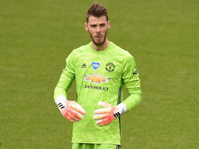 De Gea 'two mistakes from being dropped by Man United'