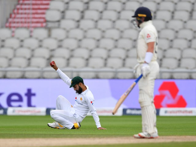 Impressive Pakistan bowling display sees England trail by 107 runs