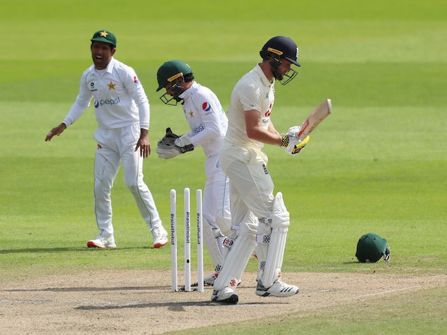 Pakistan in control against England as Yasir Shah takes three wickets