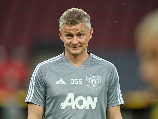 Solskjaer calls for new signings after loss to Palace